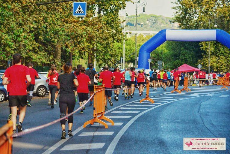 runner che comppletano i chilometri della corsa cardiorace